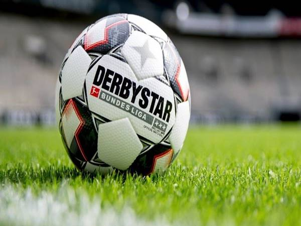Tin bóng đá 18/3: Dortmund chịu thiệt hại nặng nếu kết thúc giải