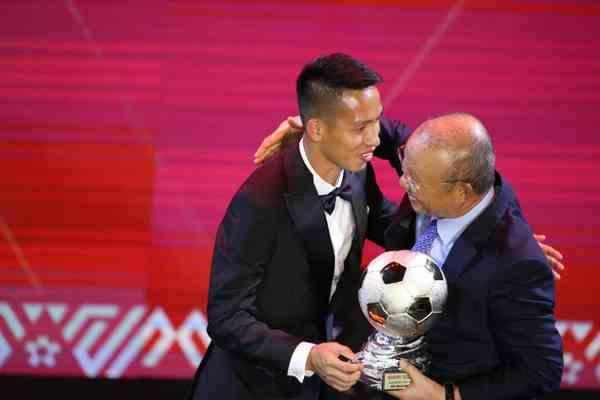 Quả bóng vàng 2019 Việt Nam thuộc về Hùng Dũng