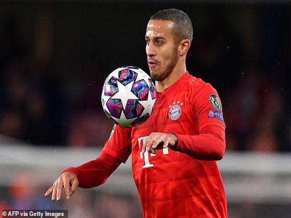 Chuyển nhượng trưa 28/8: Liverpool tiếp cận tiền vệ Bayern Munich