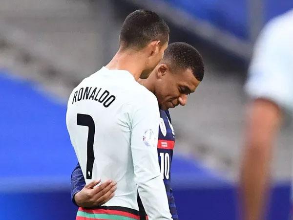 Tin bóng đá sáng 14/10: Ronaldo nguy cơ lỡ đại chiến với Barca
