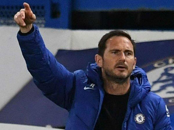 Bóng đá hôm nay 24/11: Lampard tuyên bố không nhượng bộ Mourinho