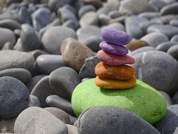 Mơ thấy hòn đá có điềm báo gì? đánh con số nào?