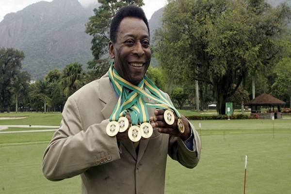 Huyền thoại Pele - Một trong những cầu thủ thành công từ bóng đá phủi