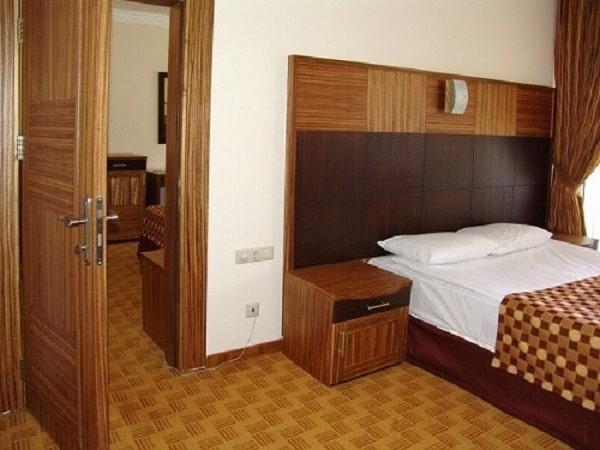 Cách hóa giải 2 cửa phòng ngủ đối diện nhau chuẩn nhất